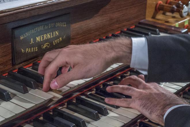 mains de Daniele Dori