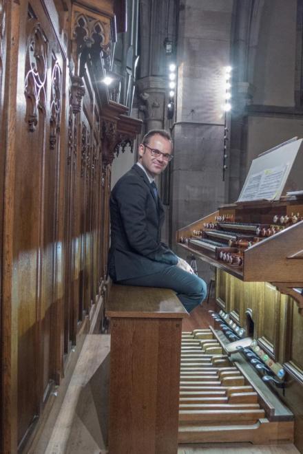 D. Dori à l'orgue Merklin