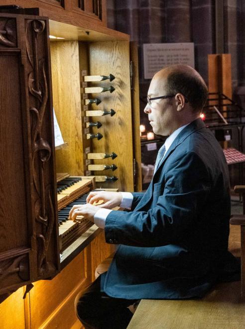 Andrea Trovato à l'orgue Koenig