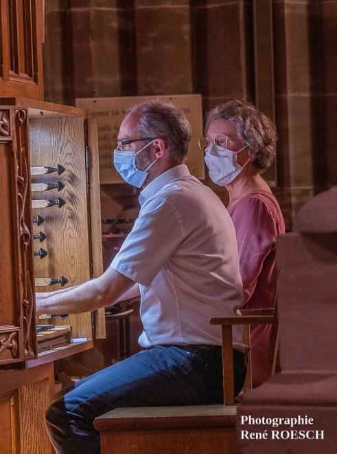 Concentration à l'orgue de choeur