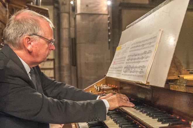Marc Baumann à l'orgue Merklin