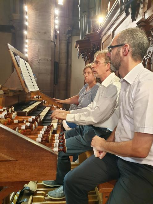Roberto MUCCI la sérénité aux claviers