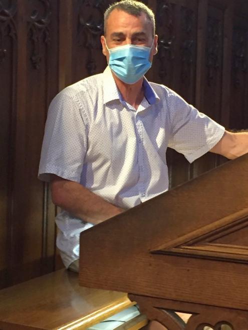 Guillaume Blind à l'orgue
