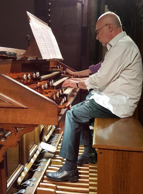 Daniel Pandolfo, titulaire de l'orgue Merklin