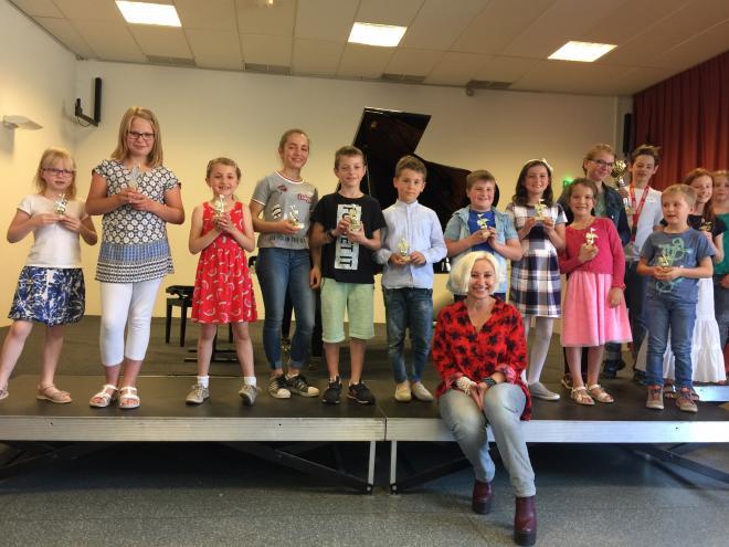 IPA d'Obernai : élèves et professeur